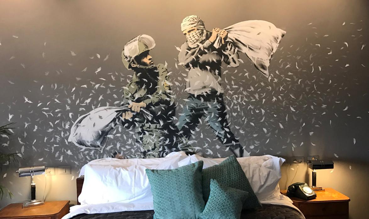 Banksy palestine : ouberture du Walled Off Hotel en 2017